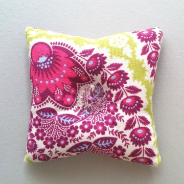 Square pincushion