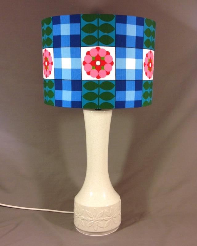 Flower Power vintage lamp with handmade shade