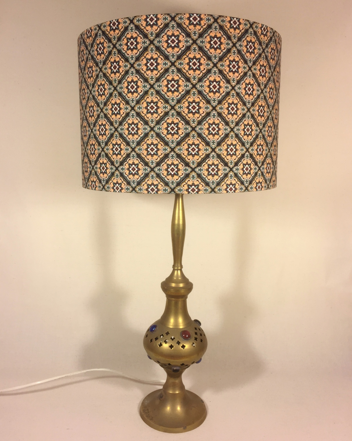 Alhambra vintage lamp with handmade shade